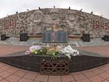 Памятник героям войны и труда
