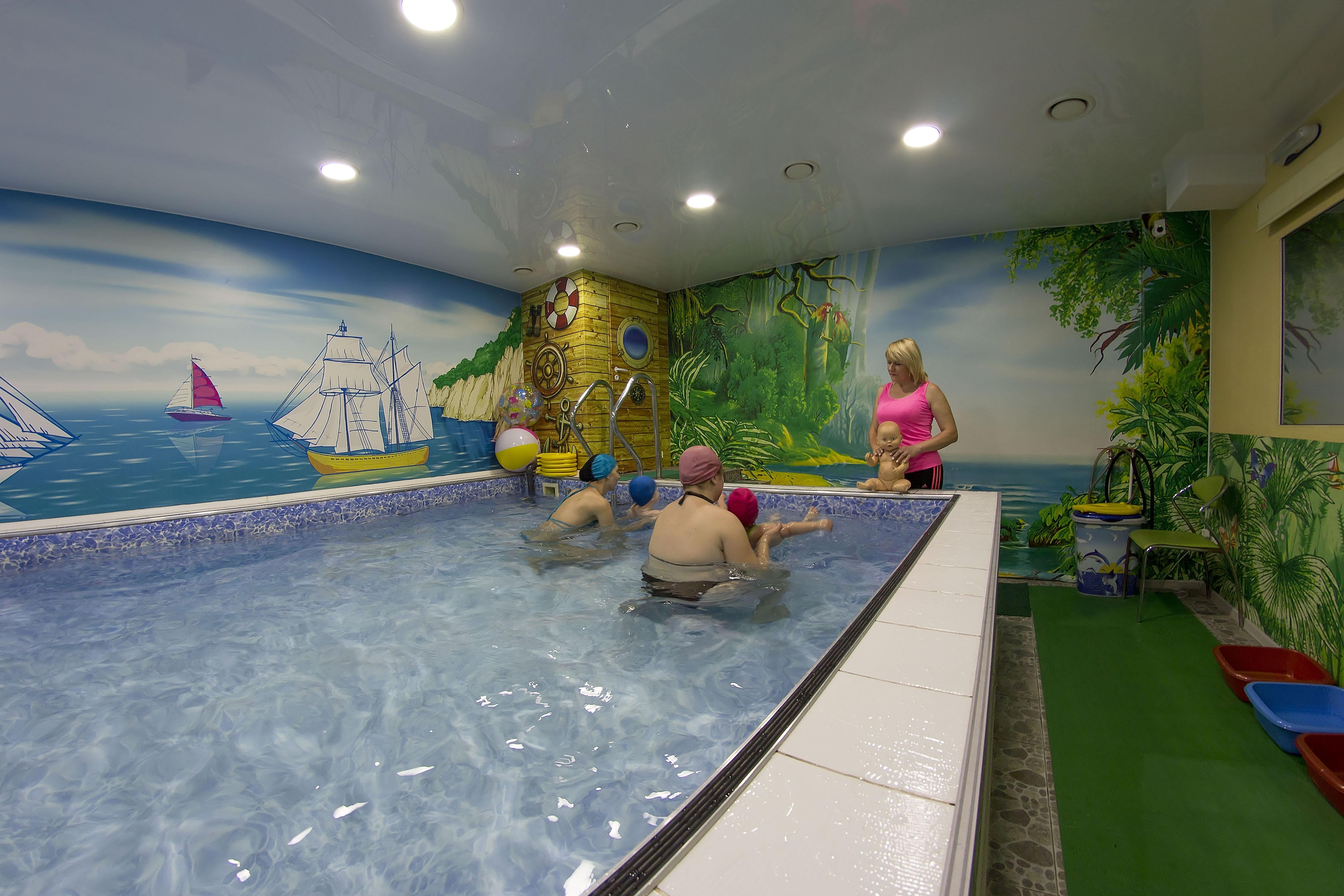Бассейн в Новоленино