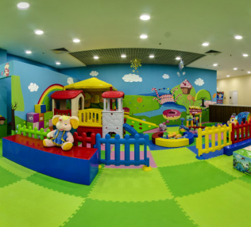 Веселый Дворик, детский развлекательный центр
