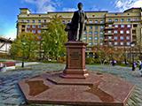 Памятник архитектору А.Д.Крячкову
