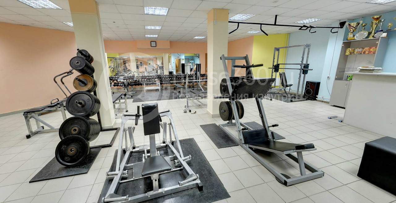 Тренажеры спортивного клуб Клод