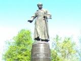 Михаилу Васильевичу Фрунзе , памятник, расположенный в сквере на берегу реки Уводь