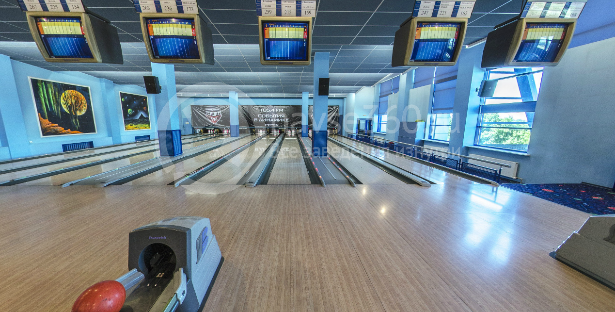 Игровые дорожки в клубе Strike