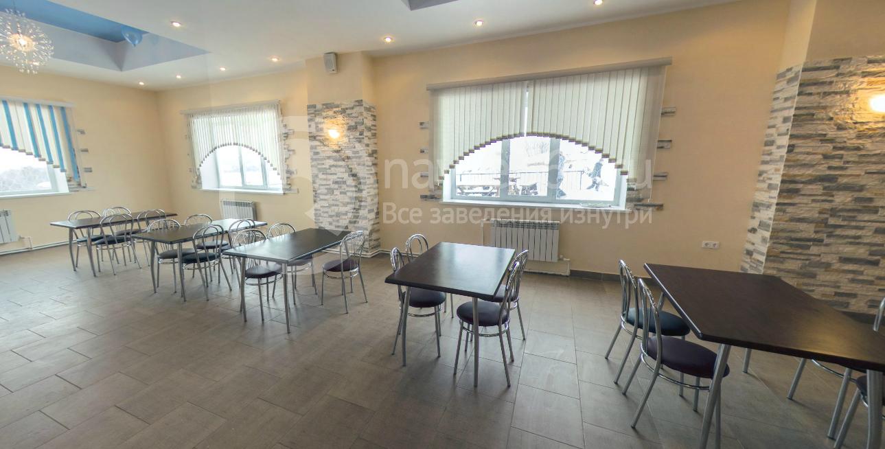 Каминный зал ресторана в деревне Новинки