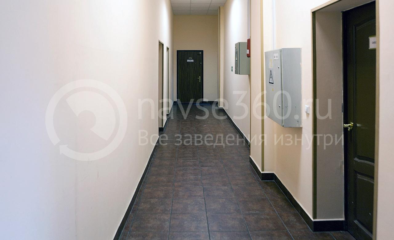 на второй этаж и направо до конца