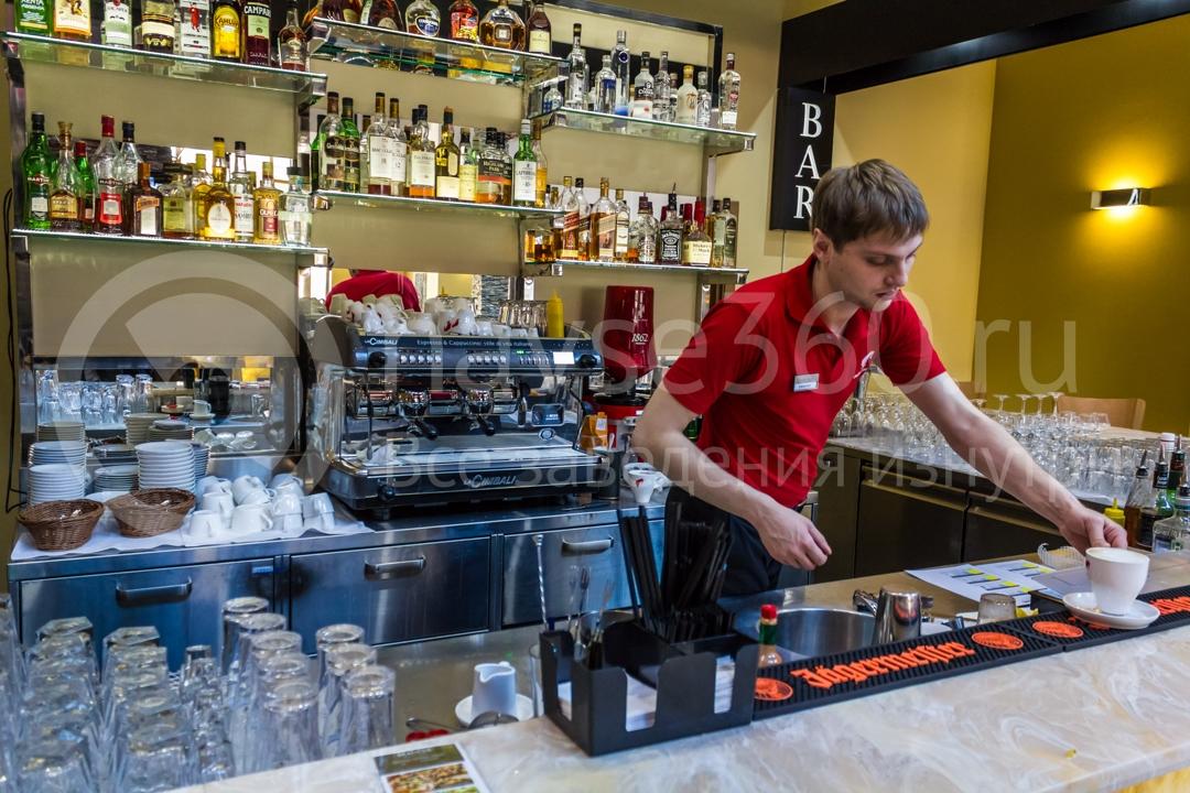 Бар в отеле Голден Тюлип Роза Хутор в Сочи